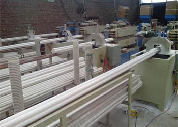 七孔梅花管生产设备1